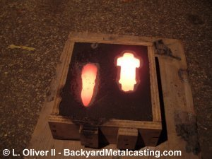 The glowing iron casting